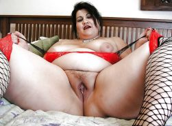 From MILF to GILF with Matures in between 302