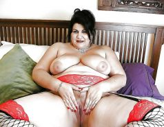 From MILF to GILF with Matures in between 291
