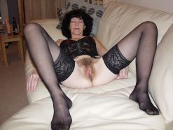 Old wife whore - hairy pussy in stockings