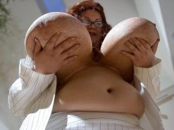 BUSTY GRANNIES ARE HOT TOO!