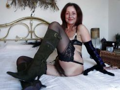 From MILF to GILF with Matures in between 292