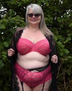 Tracy, sexy UK FAT GILF Slut