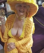 Very old non-nude gilf likes her hats